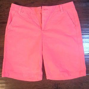 GAP Boyfriend roll up shorts